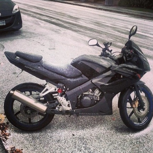 Honda CBR125 snow